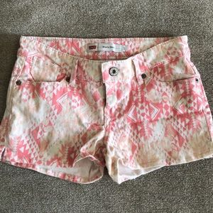 Levi's printed denim shorty shorts